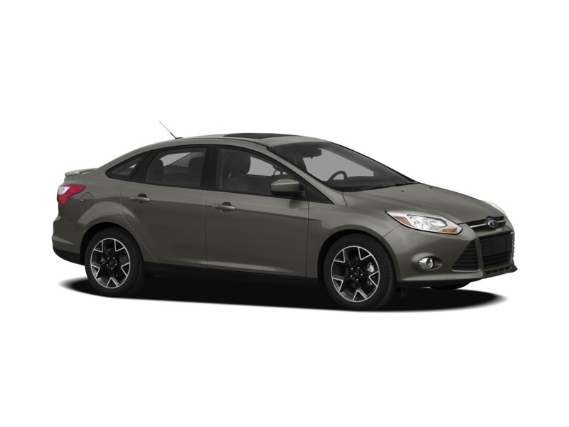 2012 Ford Focus SE MANUAL *** FREE WINTER TIRS & RIMS INC!!! *** Exterior Shot 17