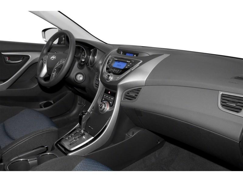 Ottawa's Used 2013 Hyundai Elantra SE In Stock Used